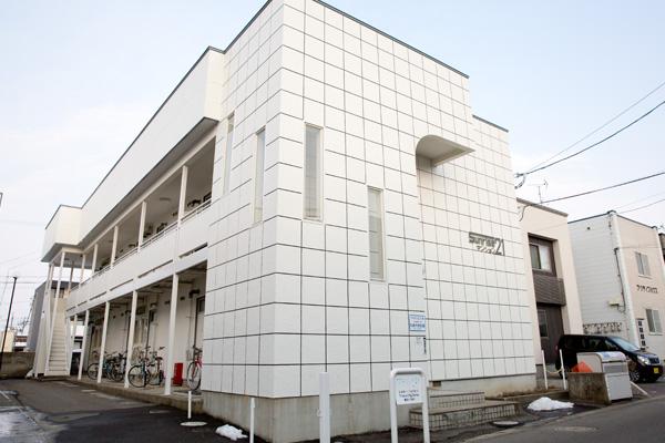 弘前市のアパート・賃貸 サンライズマンション21 A・B棟 外観